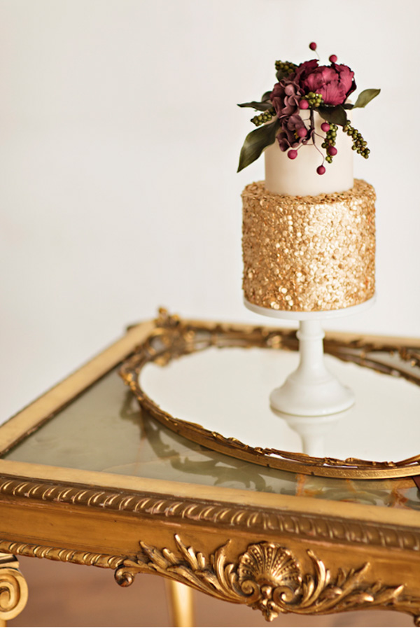 Gold table and mirror from Vintage Ambiance_Courtney Bowlden Photography