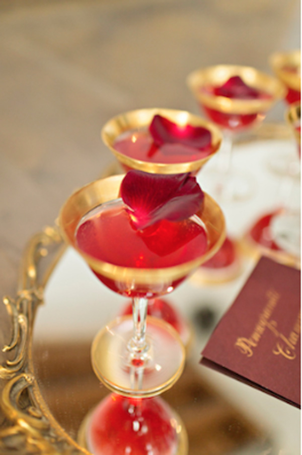 Gold rimmed cocktail glasses from Vintage Ambiance_Courtney Bowlden Photography