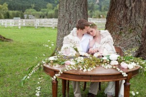 Sweetheart table from Vintage Ambiance